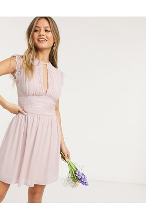 TFNC – Bridesmaid – Mini-Brautjungfernkleid mit Spitze in