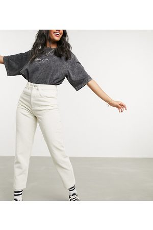 Reclaimed Vintage – Inspired The '91 – Mom-Jeans aus Cord in Ecru