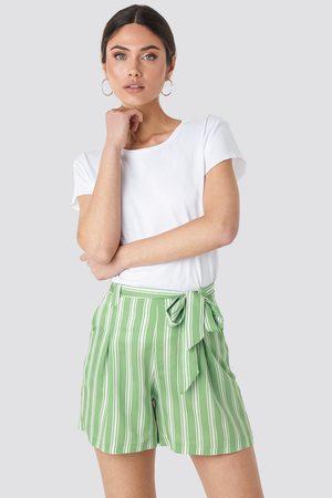 Trendyol Binding Detailed Shorts - Green