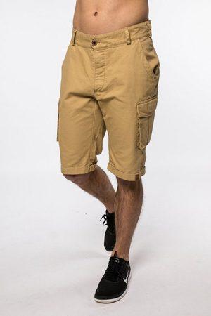 alife kickin Shorts