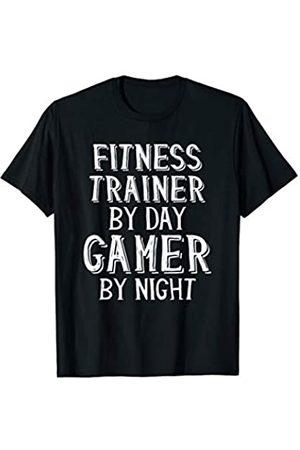 Gamer Geschenke für Fitness-Trainer Fitness Trainer By Day Gamer By Night - Sporttrainer T-Shirt