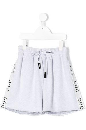 DUOltd Shorts mit Logo