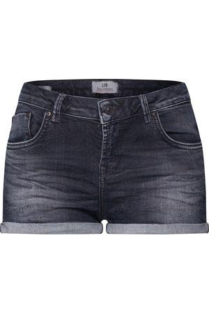 LTB Shorts 'Judie
