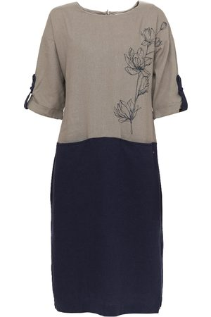 Finn Flare Kleid mit zweifarbigem Design