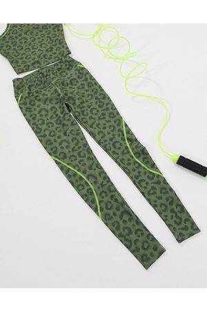 ASOS – Leggings in Khaki mit Animalprint, Kombiteil
