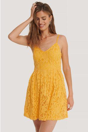 NA-KD Minikleid - Yellow