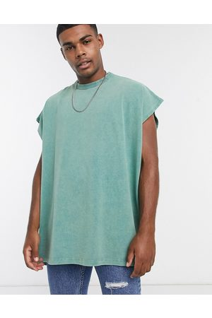 ASOS Herren T-Shirts, Polos & Longsleeves - – Ärmelloses, extremes Oversize-T-Shirt in mit starker Acid-Waschung