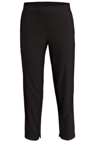someday Die Hose CHARLIE von lässt sich sowohl elegant als auch sportiv kombinieren. Der dezente Glanz macht diesen Begleiter zu einem besonderen Blickfang in Ihren Outfits. Kreieren Sie moderne Looks zum Verlieben! Details: Teilelastischer Bund. Seitlich