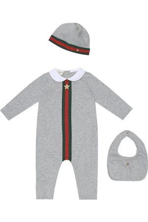 Gucci Baby Set aus Strampler, Mütze und Lätzchen