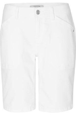 Comma, Shorts