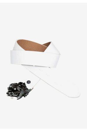 Cipo & Baxx Ledergürtel mit cooler Totenkopfschnalle