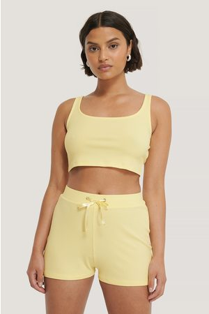 NA-KD Geripptes Lounge Cropped Top - Yellow