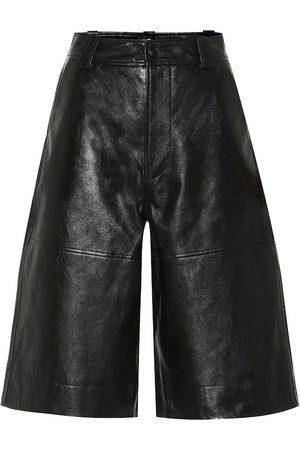 Ganni Shorts aus Leder