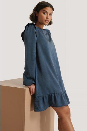 NA-KD Minikleid Mit Volantdetail - Blue