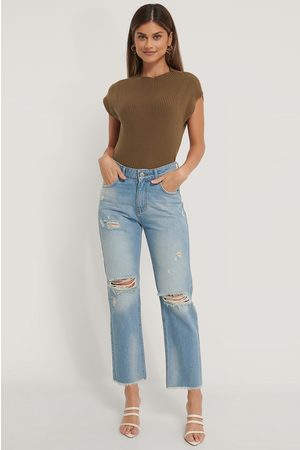 NA-KD Hochgeschnittene Gerade Jeans In Destroyed-Optik - Blue
