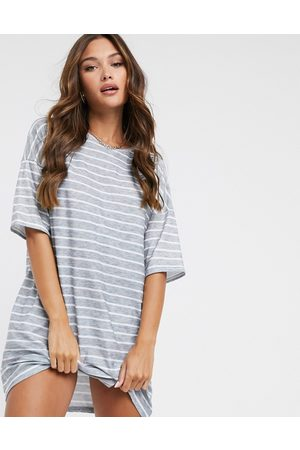 Street Collective – Gestreiftes T-Shirt-Kleid in Oversize-Passform