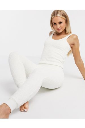 ASOS – Mix & Match – Flauschige Leggings in Creme