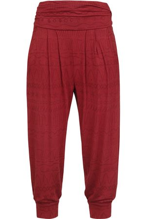 RED by EMP Sport und Yoga - rote Stoffhose mit Alloverprint Leggings bordeaux
