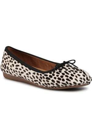 Clarks Freckle Ice 261510804 White/Black Leather