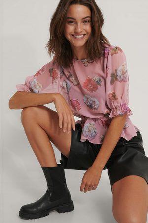 NA-KD Kurzärmelige Chiffon-Bluse Mit Blumenmuster - Pink