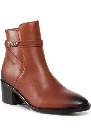 Tommy Hilfiger Block Branding Leather Mid Boot FW0FW05196 Pumpkin Paradise GOW