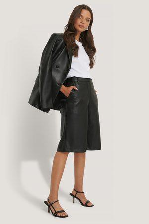NA-KD Lange Pu-Bermuda-Shorts - Black