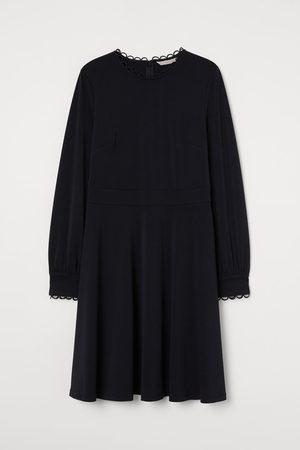 H&M Kleid mit Wellenkanten