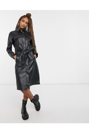 LAB LEATHER – Midikleid mit Bindegürtel in