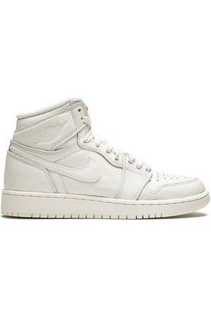 Jordan Kids TEEN 'Air Jordan 1 Retro High OG BG' Sneakers
