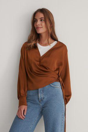 Trendyol Damen Blusen - Wickelbluse - Brown