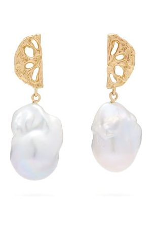 Nadia Shelbaya 200 Fan Pearl & Earrings