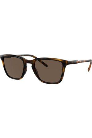 Dolce & Gabbana Brillenform: Eckig. Label-Schriftzug auf den Bügeln. UV 400 Filter. Inkl. Brillenetui und -beutel. Made in Italy. Maße bei Größe 54:- Gesamtbreite: 145 mm- Bügellänge: 145 mm- Glashöhe: 42 mm- Glasbreite: 54 mm- Stegbreite: 21 mm