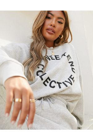 ASOS ASOS – Weekend Collective – Oversize-Sweatshirt in Kalkgrau mit Logo, Kombiteil