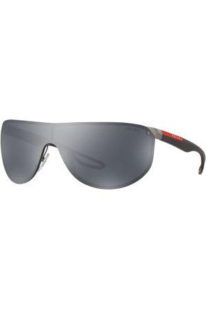Prada Linea Rossa Brillenform: Monoscheibe. Label-Schriftzug auf den Bügeln. Hoher UV-Schutz. Inkl. Brillenetui. Made in Italy. Maße bei Größe 70:- Gesamtbreite: 160 mm- Bügellänge: 130 mm- Glashöhe: 50 mm- Glasbreite: 70 mm- Stegbreite: 17 mm