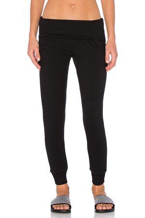 Beyond Yoga Cozy Fleece Foldover Sweatpant in . Size M, S, XS.
