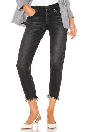 Moussy Staley Tapered in . Size 24, 25, 26, 27, 28, 29, 30.