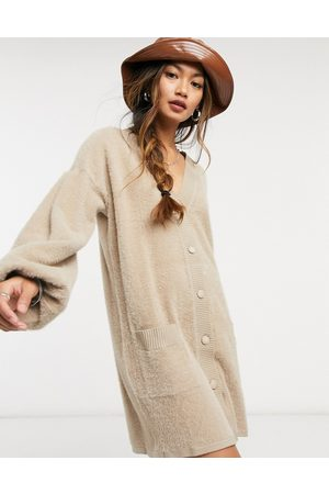 ASOS – Strickjackenkleid in Camel
