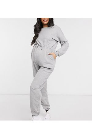 ASOS ASOS DESIGN Maternity – Jumpsuit aus Sweatmaterial in
