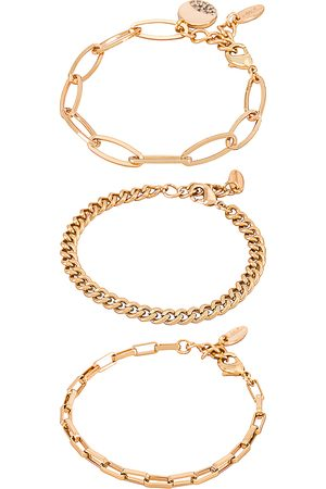 Ettika Chain Bracelet Set in .