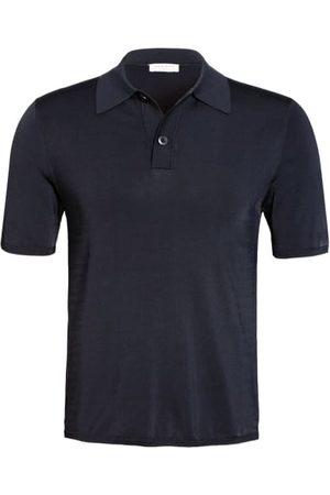 sandro Das Poloshirt von sorgt dank der verarbeiteten Viskose-Stretch-Qualität für einen optimalen Tragekomfort. Dieses Modell zeichnet sich durch einen klassischen Polokragen mit Zweiknopf-Leiste, während das cleane Design ausreichende Kombinationsmöglic