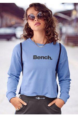 Bench Sweater kurz geschnitten mit seitlichen Schlitzen