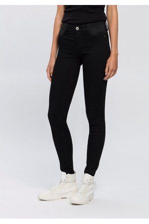 ARIZONA Skinny-fit-Jeans »Ultra Stretch« Low Waist mit seitlichen Stretch-Einsätzen am Bund