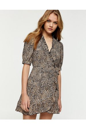 Topshop – Mini-Wickelkleid mit Animalprint in