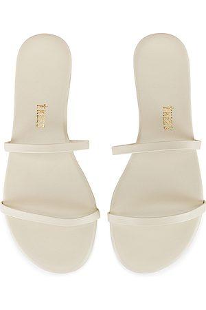 Tkees Gemma Sandal in . Size 5, 6, 7, 8, 9.