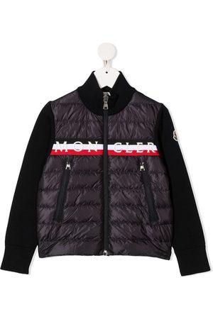 Moncler Gesteppte Jacke mit Logo-Streifen