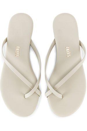 Tkees Riley Vegan Sandal in . Size 6, 5, 7, 8, 9.