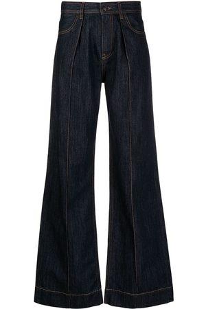 PORTS 1961 Ausgestellte Jeans