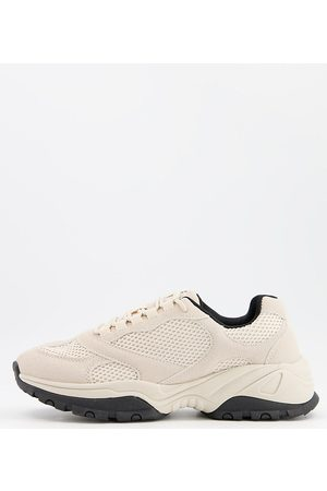 ASOS – Multi-Panel-Sneaker in weiter Passform in Steingrau