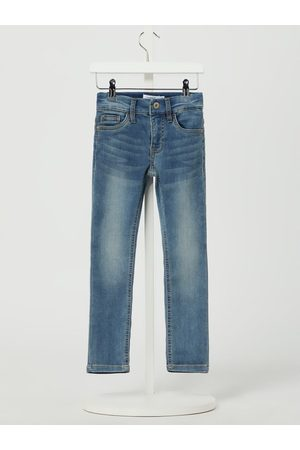 Name it Jeans in gerader Passform mit Stretch-Anteil Modell 'Theo