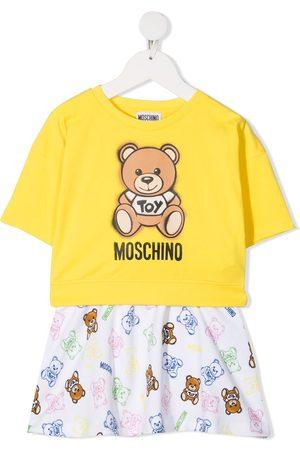 Moschino Set aus Sweatshirt und Rock